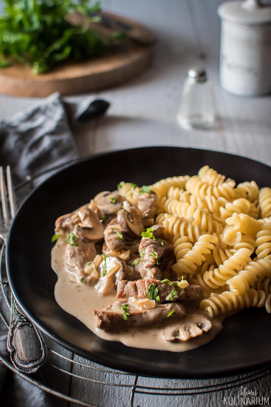 Zürcher Geschnetzeltes mit Champignons - Kleines Kulinarium