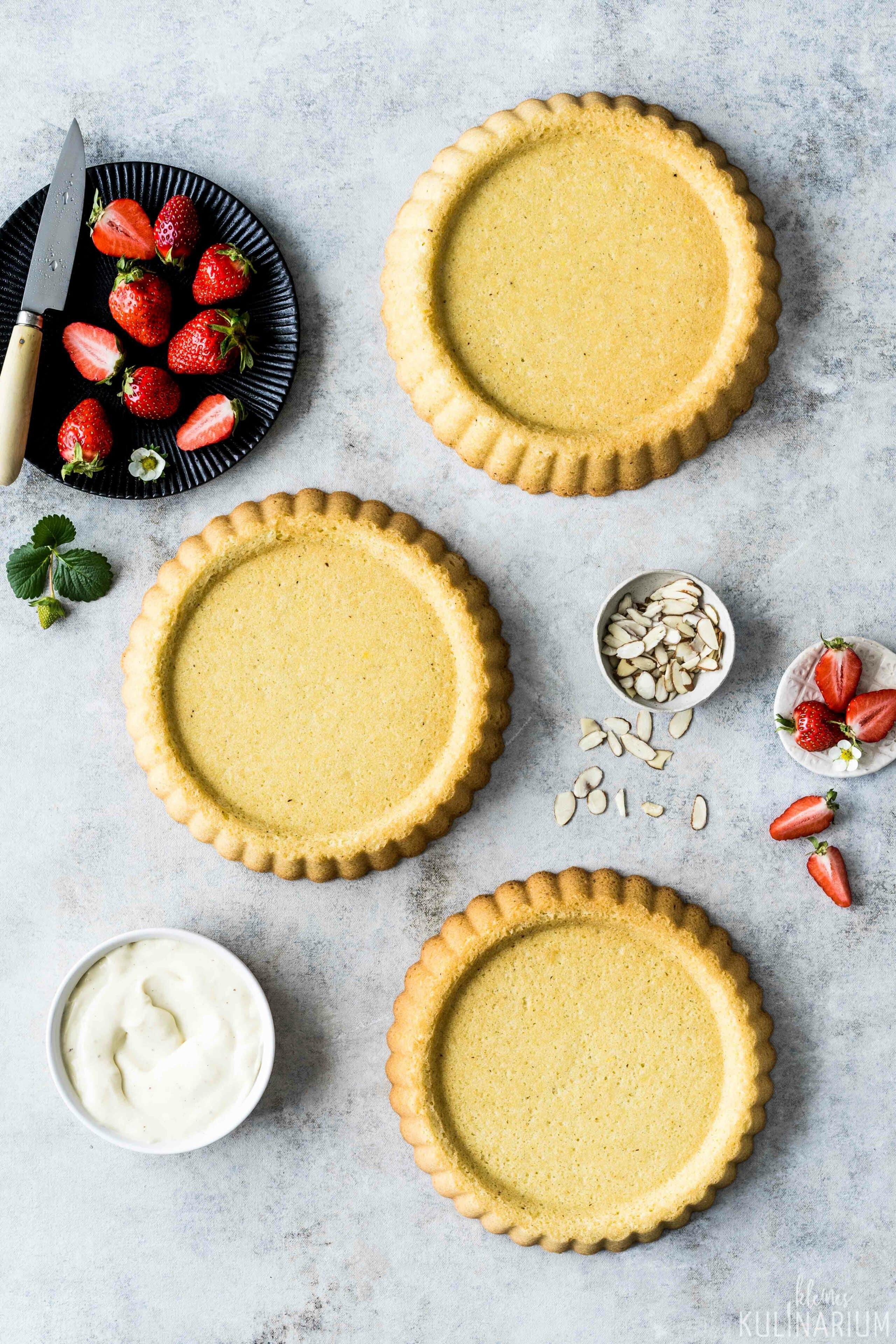 Klassischer Erdbeerkuchen mit Puddingcreme - Kleines Kulinarium