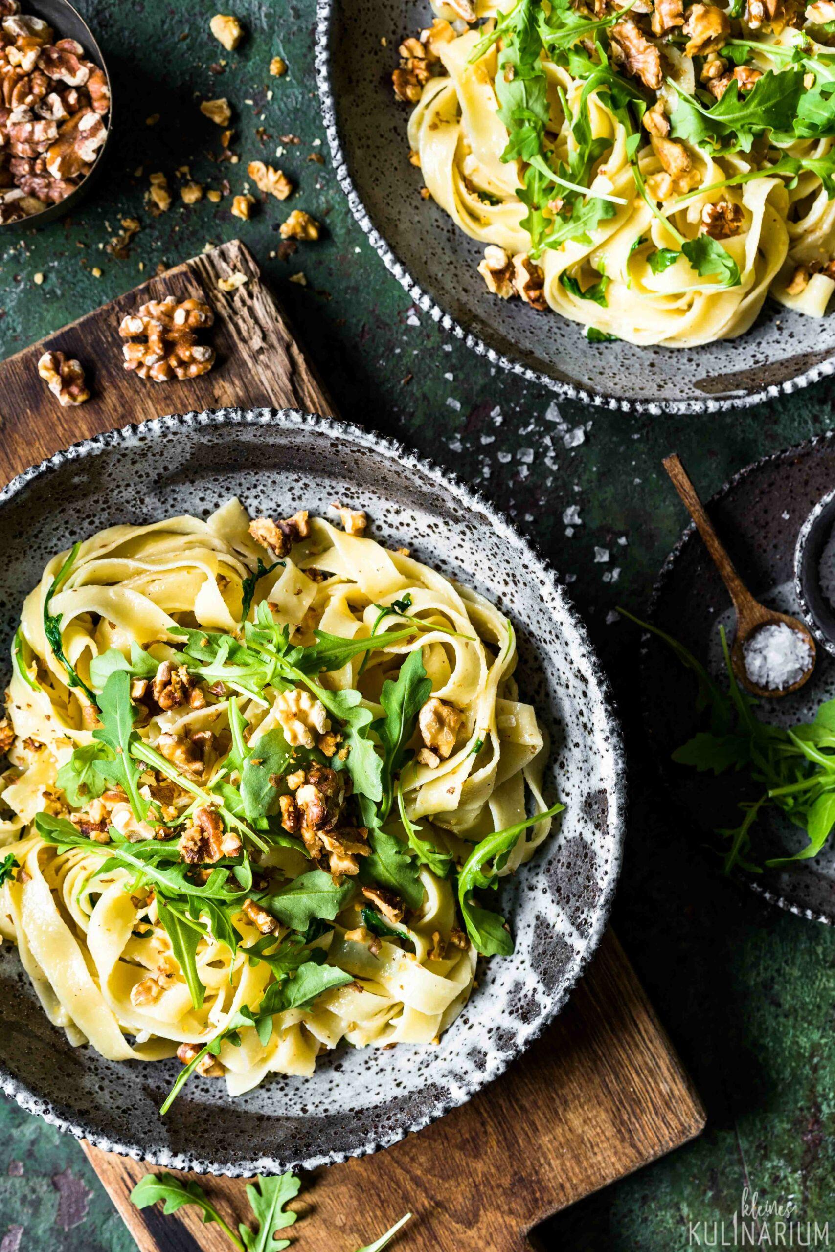 Cremige Pasta mit Rucola und Walnüssen - Kleines Kulinarium